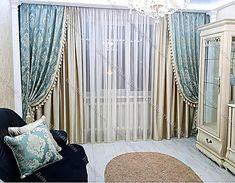 Классические шторы актуальны во все времена. Достоинством классических штор является  в их «уютности» и универсальности, так как они подходят для любого помещения. Портьер и тюль создают многослойность таких штор. Оба этих компонента собираются в красивые кладки, которые у каждой модели имеют различную пышность и многочисленность. Dining Room Curtains, Home Curtains, Home Room Design, Home Design Decor, Home Decor, Living Room Styles, Living Room Designs, Living Room Decor Cozy, Bedroom Decor