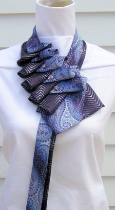 Ruffle Tie  purple/blue von TiedToPerfectionNH auf Etsy