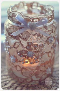 Upcycle A Glass Candle Jar Using Lace, Ribbon, Pearls, And Embellishments Mason Jar Candles, Mason Jar Crafts, Diy Candles, Bottle Crafts, Glass Candle, Scented Candles, Diy Arts And Crafts, Home Crafts, Christmas Mason Jars