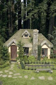 APlaceImagined: English Cottage Playhouse The cutest playhouse!