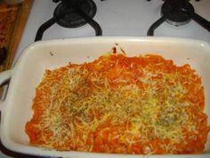 gruyère, poivre, arôme maggi, concentré de tomate, pâtes, jambon, crème fraîche épaisse, sel, herbes de provence