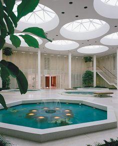 Levitt and Sons Executive Office Building, Edward Durell Stone, Lake Success, New York, 1963 — Ezra Stoller