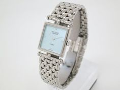 Van Cleef&Arpels 4P Diamond Shell Dial Stainless Quartz Ladies Watch (BF062842). Authenticity guaranteed, free shipping worldwide & 14 days return policy. Shop more #preloved brand items at #eLADY: http://global.elady.com