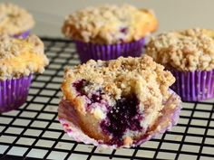 Blackberry Crumb Muffins | Baking Bites