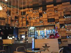 Vistro49  Ce petit bar à vin à la limite du quartier gothique est tout à fait charmant