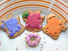 """Polymer Clay Jam & Toast + Donut. Now this is a great style of """"toast"""". It's so cute-ified too!"""