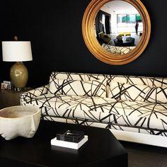 Walls painted black: would you? \\\ Image via #InteriorDesigner: @ninatakesh. #dcblogger #decor #decorate #decorating #design #designinspo #designideas #dekor #decoração #dmvblogger #homedecor #homedesign #homeideas #inspo #interiordesign #interior4all #i