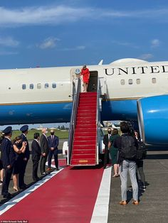 Jill Biden touches down in Japan for the Tokyo Olympics | Daily Mail Online Carrie Johnson, Boris Johnson, Tokyo Olympics, Summer Olympics, First Lady Of America, Jill Biden, British Prime Ministers, Six Month, Windsor Castle