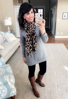 How to Wear a Gray Tunic + Black Leggings 4 Ways 1eacb59ce