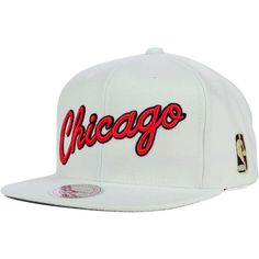 7b518860a6c8a Chicago Bulls Mitchell and Ness NBA Solid Snapback Cap ( 32) ❤ liked on  Polyvore featuring accessories