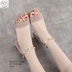 Cute Sandals, Cute Shoes, Beautiful Sandals, Fashion Heels, Fashion Boots, Shoe Boots, Shoes Heels, Prom Shoes, Trendy Shoes