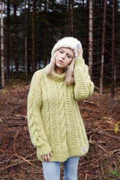 Finkewear/ www.finkewear.com/ Knitwear/ Sweater/ Big Knit/ Cable Knit/ Scandinavian / Fashion/ Campaign/ Forest