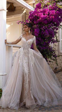 Oksana Mukha Wedding Dresses 1 - I Take You | Wedding Readings | Wedding Ideas | Wedding Dresses | Wedding Theme Amazing Wedding Dress, Long Wedding Dresses, Long Sleeve Wedding, Bridal Dresses, Wedding Gowns, Bridesmaid Dresses, Luxury Wedding Dress, Gold Wedding, Elegant Wedding