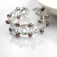 Wire bracelet designs-how to diy bangle bracelets in super cool pattern