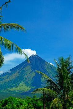 Manila, Les Philippines, Philippines Travel, Philippines Culture, Beautiful Islands, Beautiful World, Oh The Places You'll Go, Places To Visit, Volcan Eruption