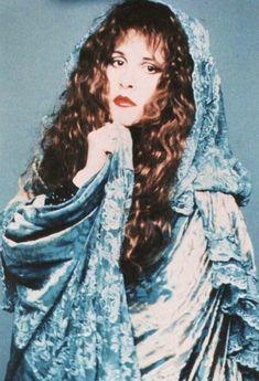 a lovely photo of Stevie ~ with a pale blue lacy shawl wrapped around her and… Lindsey Buckingham, Buckingham Nicks, Jane Birkin, Lou Doillon, Brigitte Bardot, Members Of Fleetwood Mac, Françoise Hardy, Blue Lacy, Stephanie Lynn