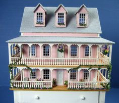1/144th scale dollhouse by Pat Russo