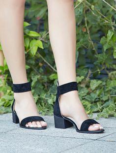 AÇIK BURUN TOPUKLU Moreno Siyah Süet Bantlı Topuklu Sandalet