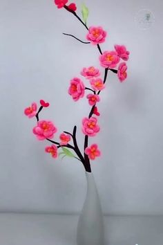 Ways to make flower decoration Here is how you can design you own flowers that never need watering. I would have never thought there were so many ways to make this art, wow. Diy Crafts Hacks, Diy Crafts For Gifts, Diy Home Decor Projects, Diy Home Crafts, Decor Crafts, Paper Crafts, Paper Flowers Diy, Flower Crafts, Creation Deco