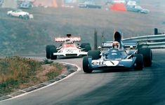 slides of the past …. Jackie Stewart (ELF Tyrrell-Ford leading Howden Ganley (Marlboro BRM at Mosport, 1972 Canadian Grand Prix Jackie Stewart, Jody Scheckter, Canadian Grand Prix, Gilles Villeneuve, Formula 1 Car, Ford, Indy Cars, Road Racing, Auto Racing