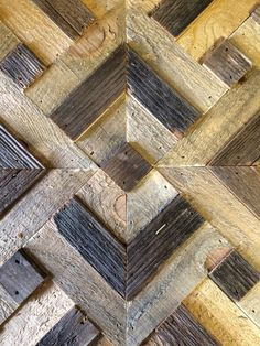 Los diamantes geométricos naturales recuperado arte de pared Wal Art, Burnt Wood, Black And White Quilts, Patio Wall, Wall Ideas, Wood Wall Art, Coffee Tables, Natural, Workshop