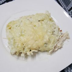 Receita de escondidinho de frango com purê de couve flor. Use o creme de ricota para fazer o purê e veja o sabor se multiplicar no prato.
