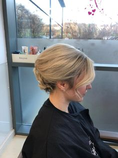 Hair up. Blonde Waves, Up Hairstyles, Stylists, Hairdos, Updos