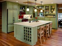 Pro tips: Paint your kitchen cabinets