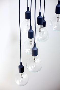 Muuto E27 black, designed bu Mattias Stahlbom | http://www.bigbrands.nl/design/verlichting-hang-/muuto/mattias-stahlbom/muuto-e27/muuto-e27-socket-lamp.html