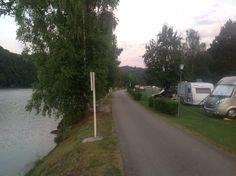 Camping Kaiserhof. Aschach an der Donau, Østrig. Den ca. fem kilometer lange ultra smalle vej ind til Aschach.