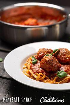 Easy Meatball Spaghetti Sauce Recipe - Chichilicious Easy Italian Meatballs, Spaghetti And Meatballs, Spaghetti Sauce, Meatballs 2, Sauce Recipes, Pasta Recipes, Recipe Maker, Vegetarian Appetizers, Spaghetti Recipes