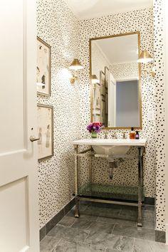 Powder Room Wallpaper, Wallpaper Decor, Wallpaper Ideas, Decoration Inspiration, Decoration Design, Decor Ideas, Design Inspiration, Wallpaper For Small Bathrooms, Half Bathrooms