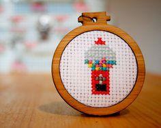 mini cross stitch hoops - Buscar con Google