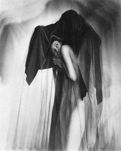 Fear. American nightmares: the photography of William Mortensen