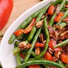 Green Beans with Pecans, Red Peppers and Onions | I Heart Nap Time - Easy recipes, DIY crafts, Homemaking