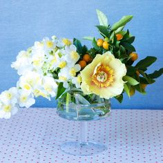 Sunny hues in a pedestal vase