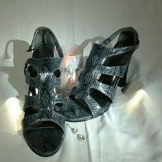 SUNDAY  SALE ONLY....Lmpo  Snack Skin High Heels. Snack Skin,Skinny Straps  Buckle  Up,Very Stylish. Lmpo Shoes Heels