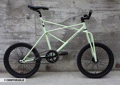 ELEKTROKATZE by Colossi Cycling, via Flickr