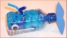 Whale craft made from recycled plastic bottle - Would be nice as a piggy bank, too However, I would probably fill it with fluent color, shake it and pour it out again to have an overall blue inside the bottle