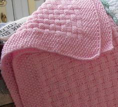 Basketweave Baby Blanket This knitting pattern is available from Ravelry. Knitted Afghans, Knitted Baby Blankets, Baby Afghans, Baby Blanket Crochet, Crochet Baby, Knit Crochet, Baby Knitting Patterns, Baby Patterns, How To Purl Knit