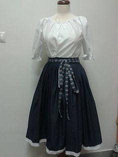 ADA.etno.art / Modrotlačová sukňa s mašľou