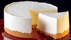 Mai pufos decat norii si e gata in doar 10 minute. Un cheesecake de neuitat. - savuros.info Baked Cheesecake Recipe, No Bake Cheesecake, Graham Cracker Crust, Graham Crackers, Easy Cheese, Pie Recipes, Food To Make, Biscuits, Sweets