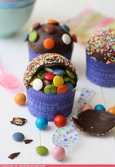 Pinata Cupcake=no cake, chocolate shell...great idea!!