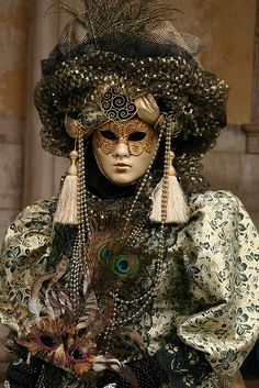 Scenes from the 2004 Carnivale in Venice (IMG_4762a) by Alaskan Dude on Flickr.