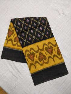 Ikkat Cotton Sarees with Blouse at (PID: ☝☝☝ ikkat cotton sareees with blouse. Phulkari Saree, Kasavu Saree, Silk Sarees, Cotton Dress Indian, Cotton Saree, Cotton Dresses, Bandhini Saree, Velvet Saree, Elegant Fashion Wear