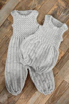 Knitting For Kids, Baby Knitting Patterns, Baby Barn, New Hobbies, Baby Outfits, Beautiful Babies, Hue, Knit Crochet, Baby Rompers