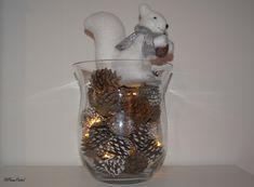 Déco Noël - Le vase lumineux en pommes de pins