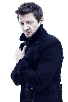 (Jeremy Renner) hi I'm Jeremy. I'm that fun single uncle who lives at home. I love being a goofball and hanging out with my nieces and nephews. If you ever need me