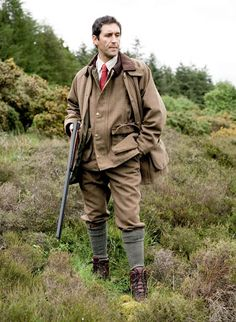 Hoggs Bowmore Tweed Breeks and Shooting Jacket English Gentleman, Gentleman Style, Plus Fours, Country Fashion, Countryside Fashion, Hunting Clothes, Clothes Horse, English Style, Outfits