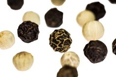 Is it healthy to eat black pepper during pregnancy? Black pepper is one of the hot spices which unquestionably hold lots of excellent nutrients. Healthy Soup Recipes, Dog Food Recipes, Healthy Foods, Sauce Au Poivre, Fotografia Macro, Cookies Et Biscuits, Food Gifts, No Cook Meals, Stuffed Peppers